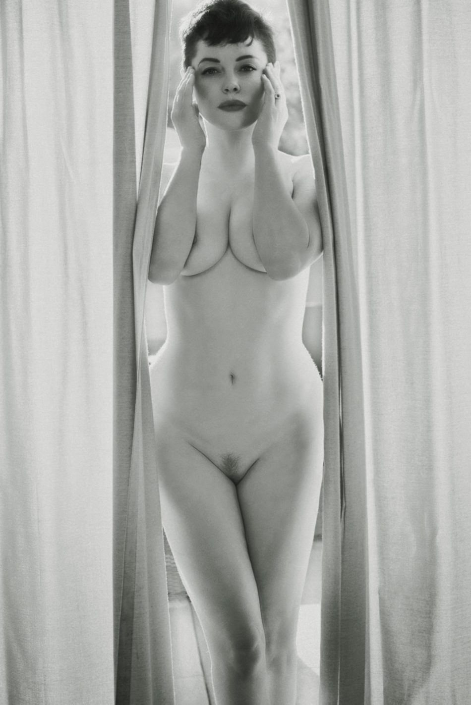 Rose McGowan desnuda