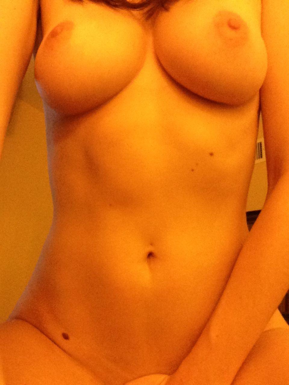 Alison Brie desnuda coño 3