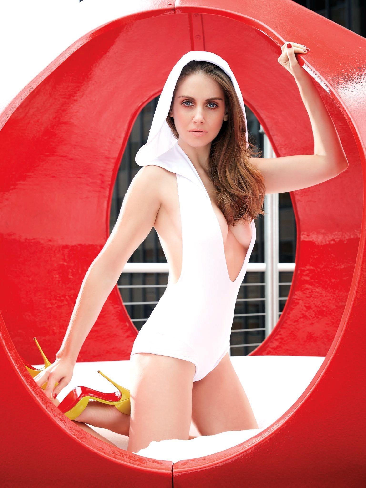 Alison Brie desnuda tetas 3