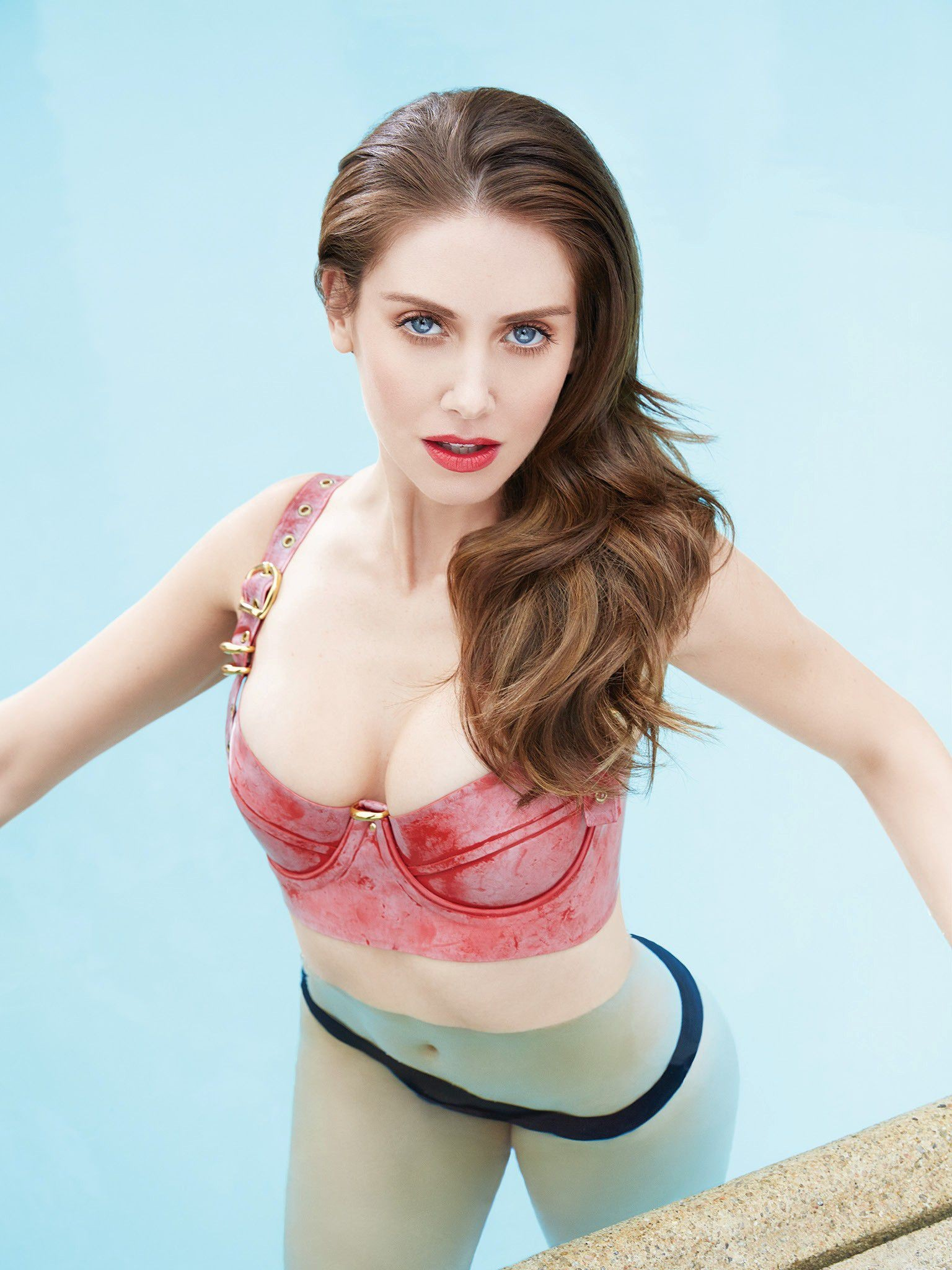 Alison Brie xxx 4