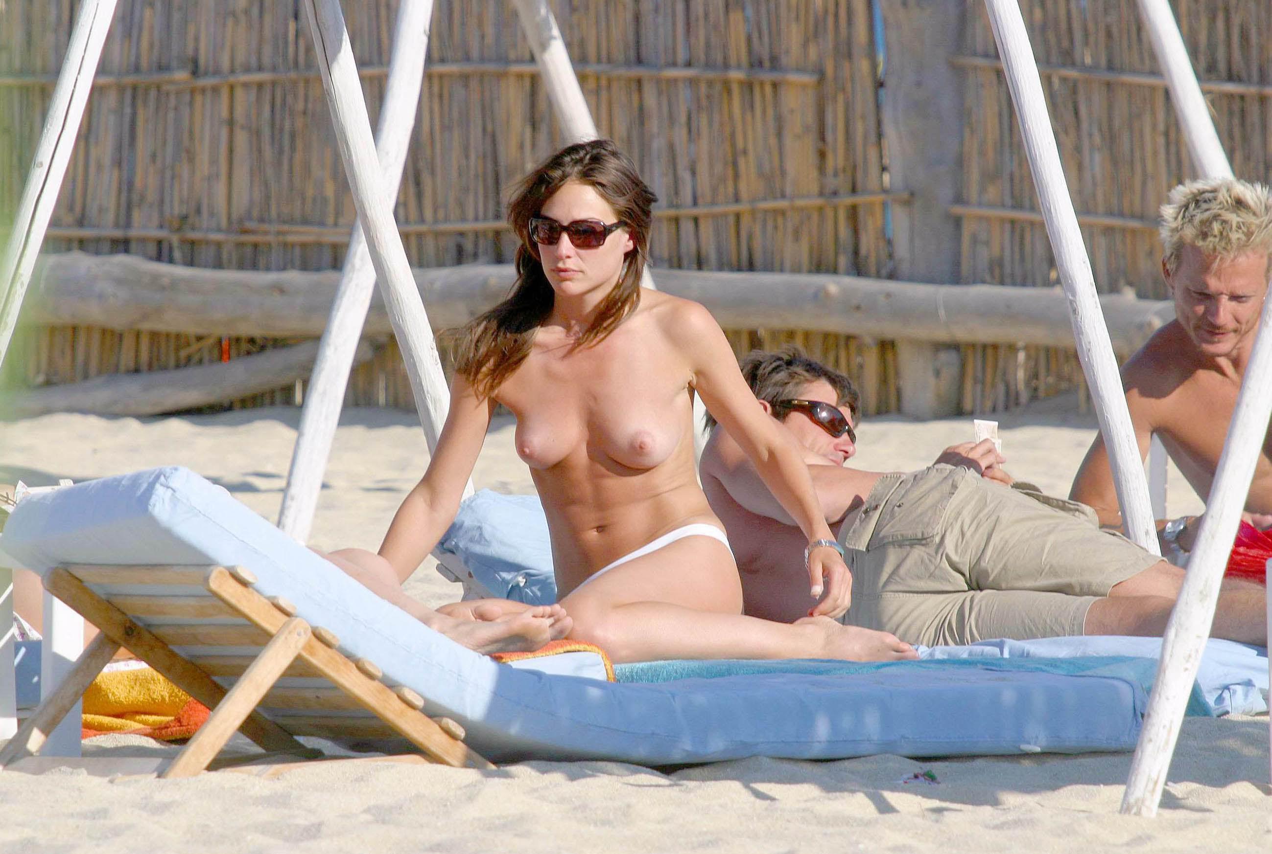 Claire Forlani desnuda 1