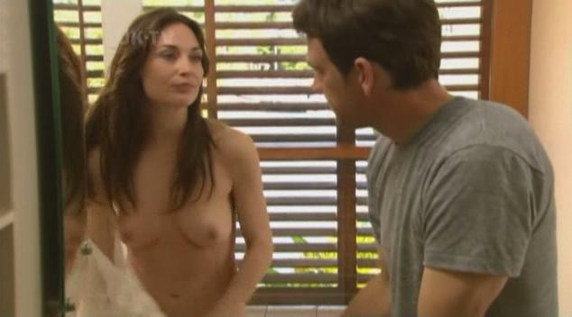 Claire Forlani desnuda video 1