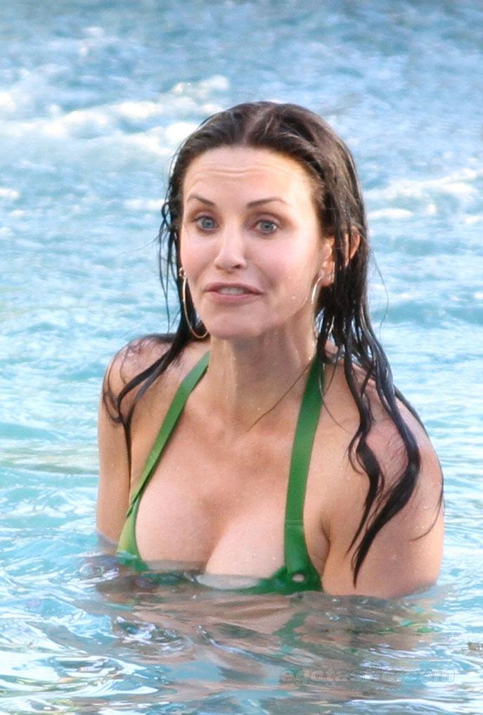 Courteney Cox desnuda porno 2