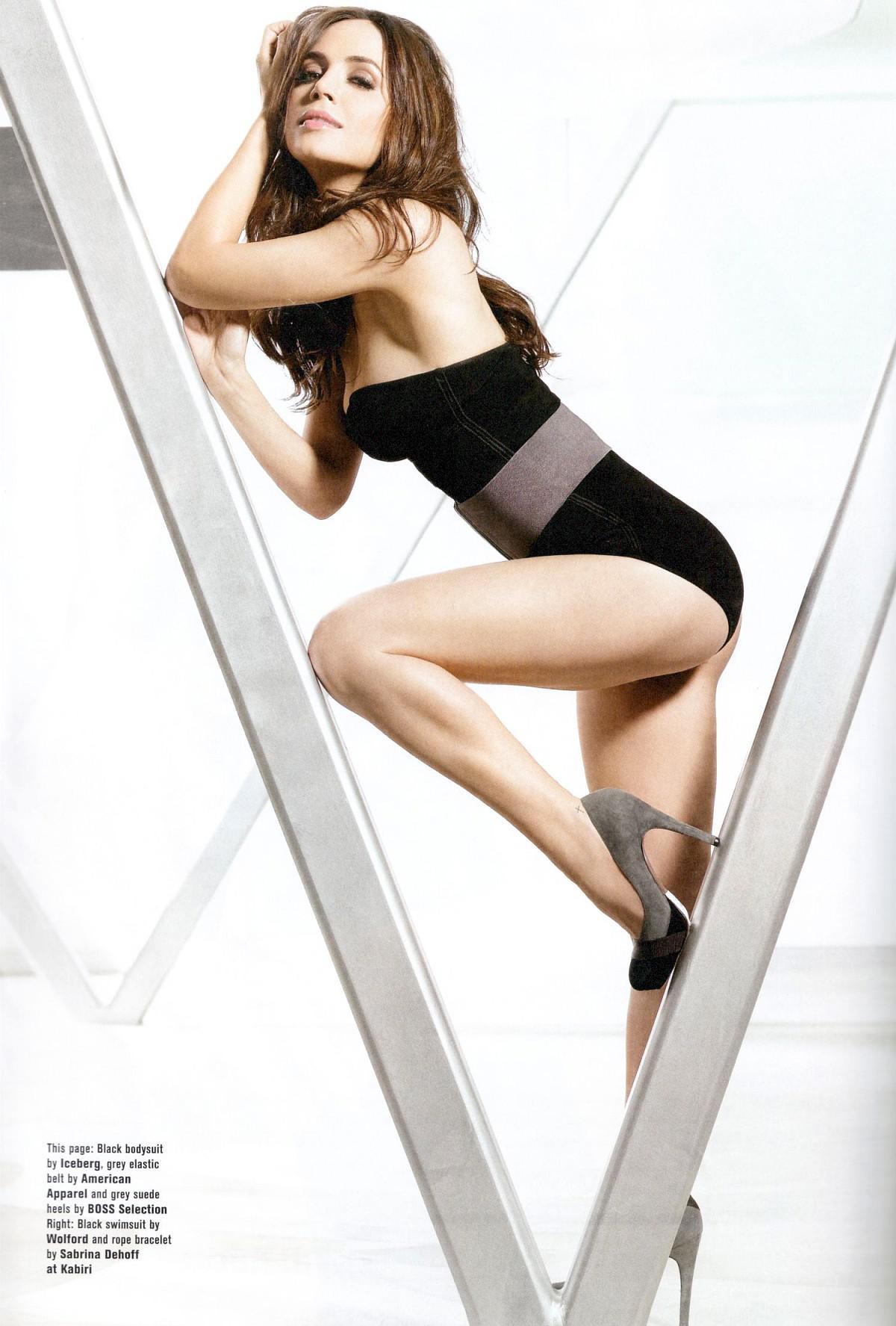 Eliza Dushku desnuda video