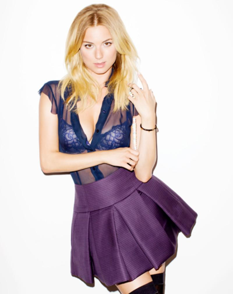 Emily VanCamp fotos calientes