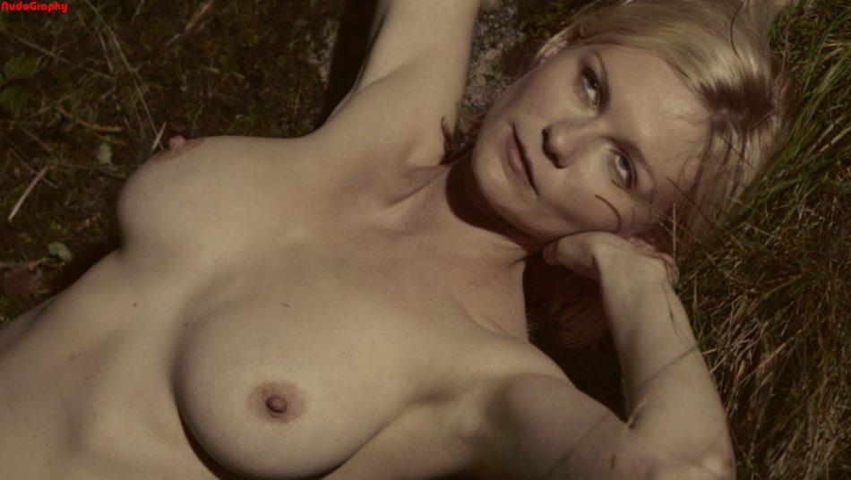 Kirsten Dunst cono