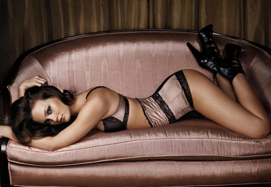 Leighton Meester desnuda porno