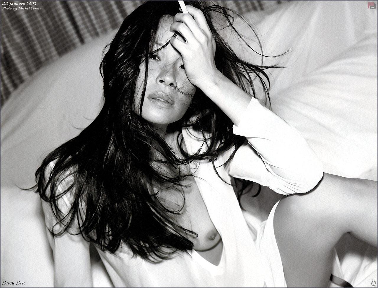 Lucy Liu pillada desnuda
