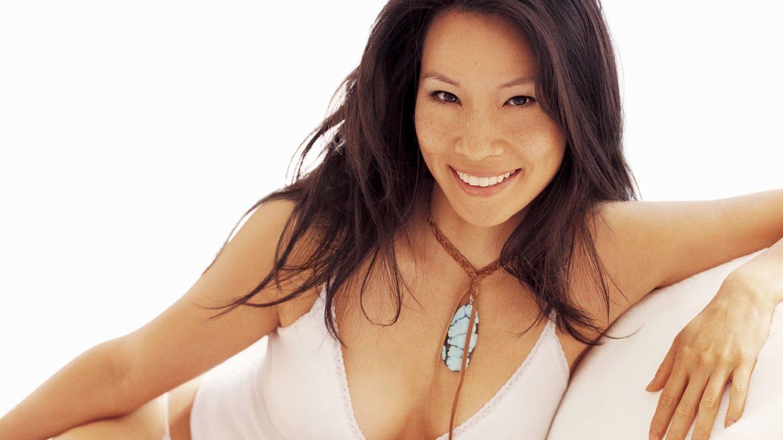 [18+] Actriz Lucy Liu Sexy Desnuda Fotos
