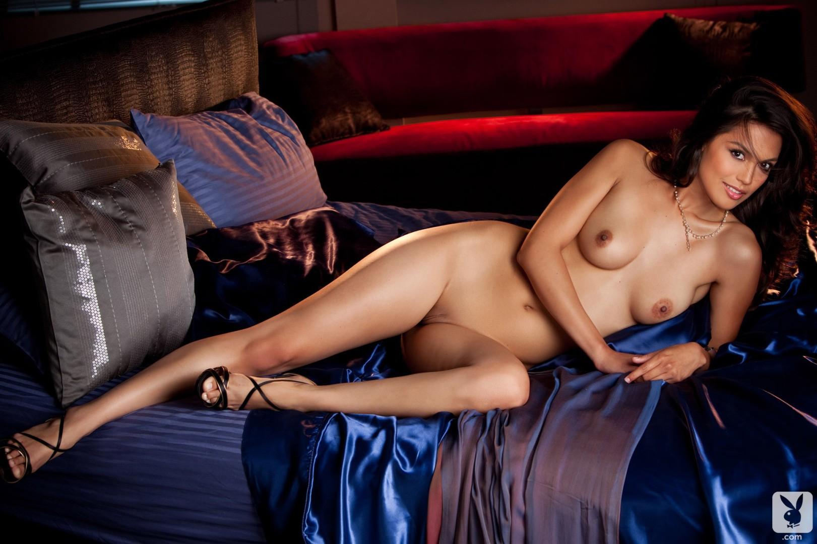 Raquel Pomplun desnuda tetas 1