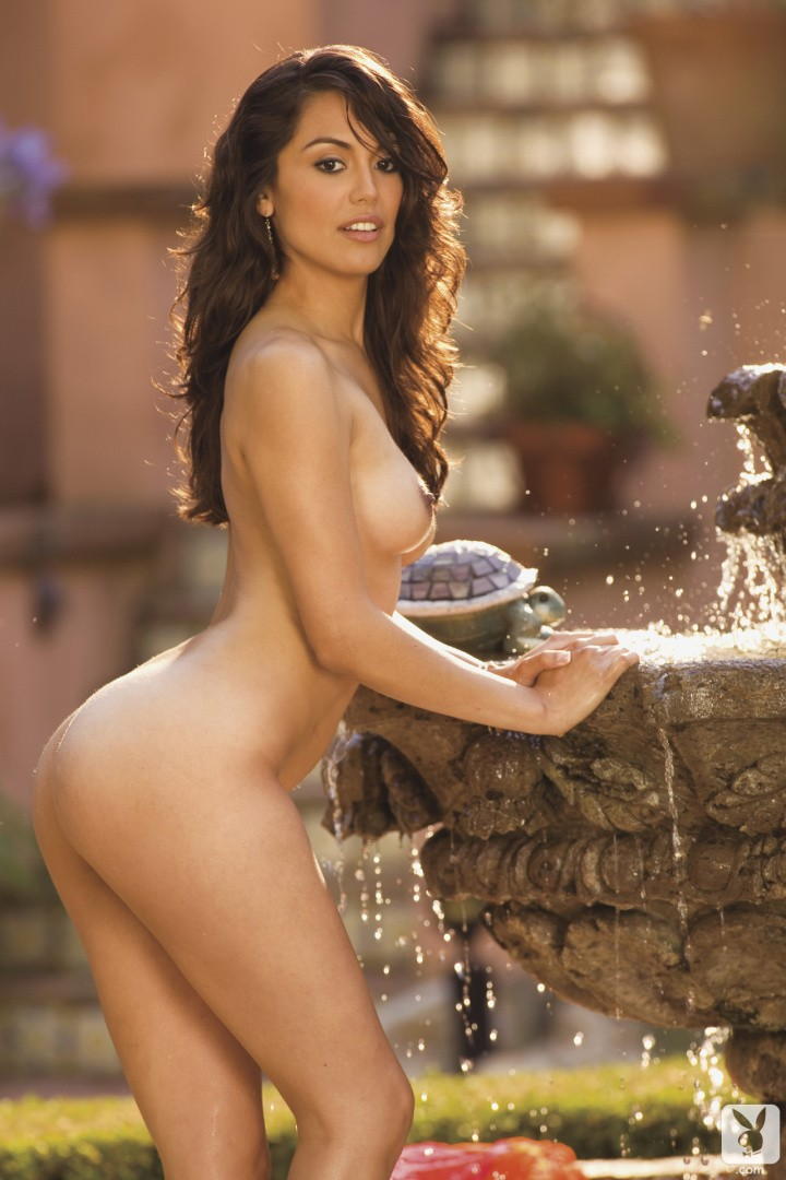 Raquel Pomplun pillada desnuda 2