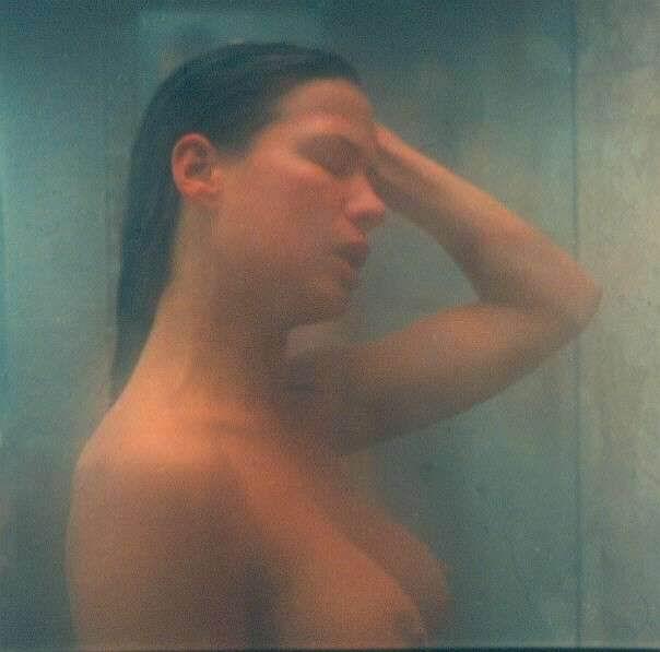 Rhona Mitra imagenes desnuda
