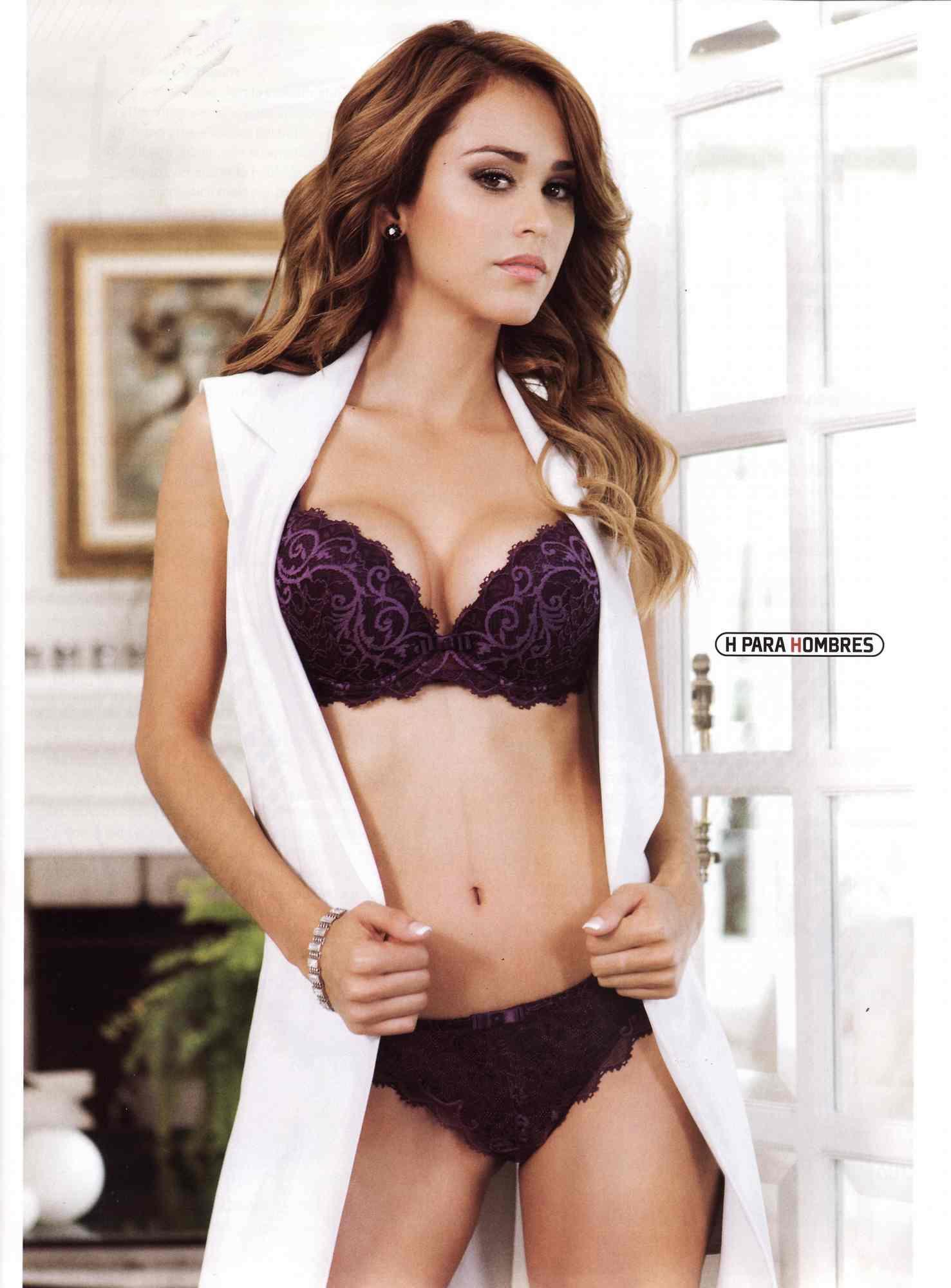 Yanet Garcia desnuda coño