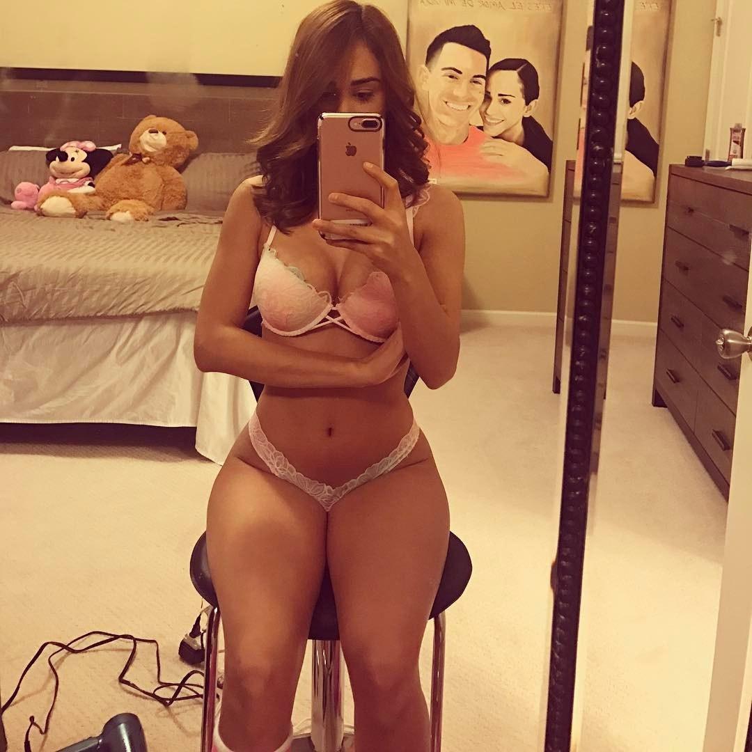 Yanet Garcia desnuda porno