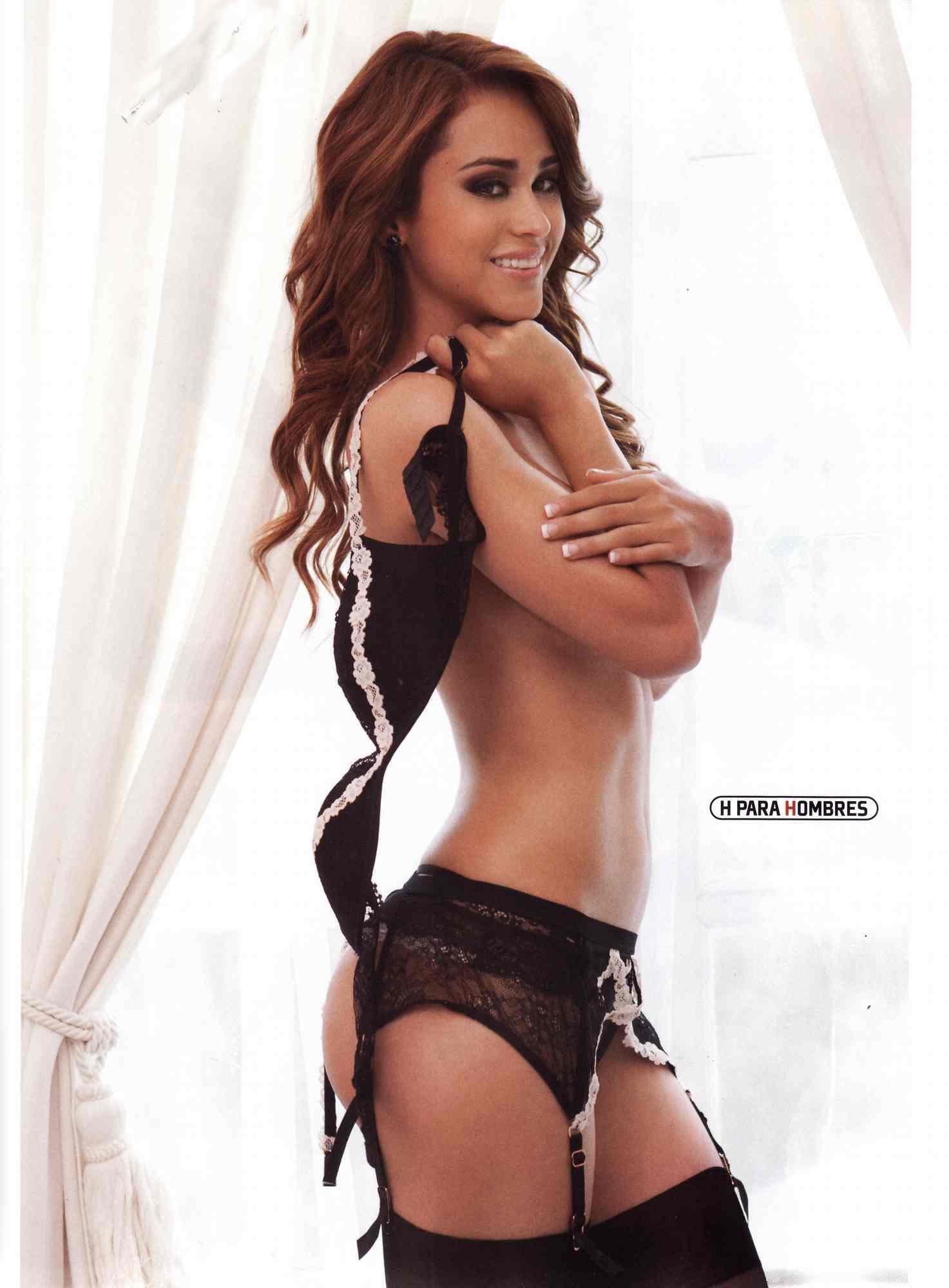 Yanet Garcia sin ropa interior 1