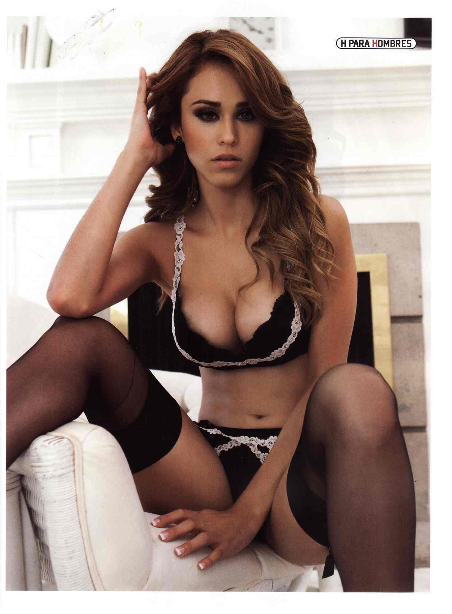 porn videos de Yanet Garcia sin ropa