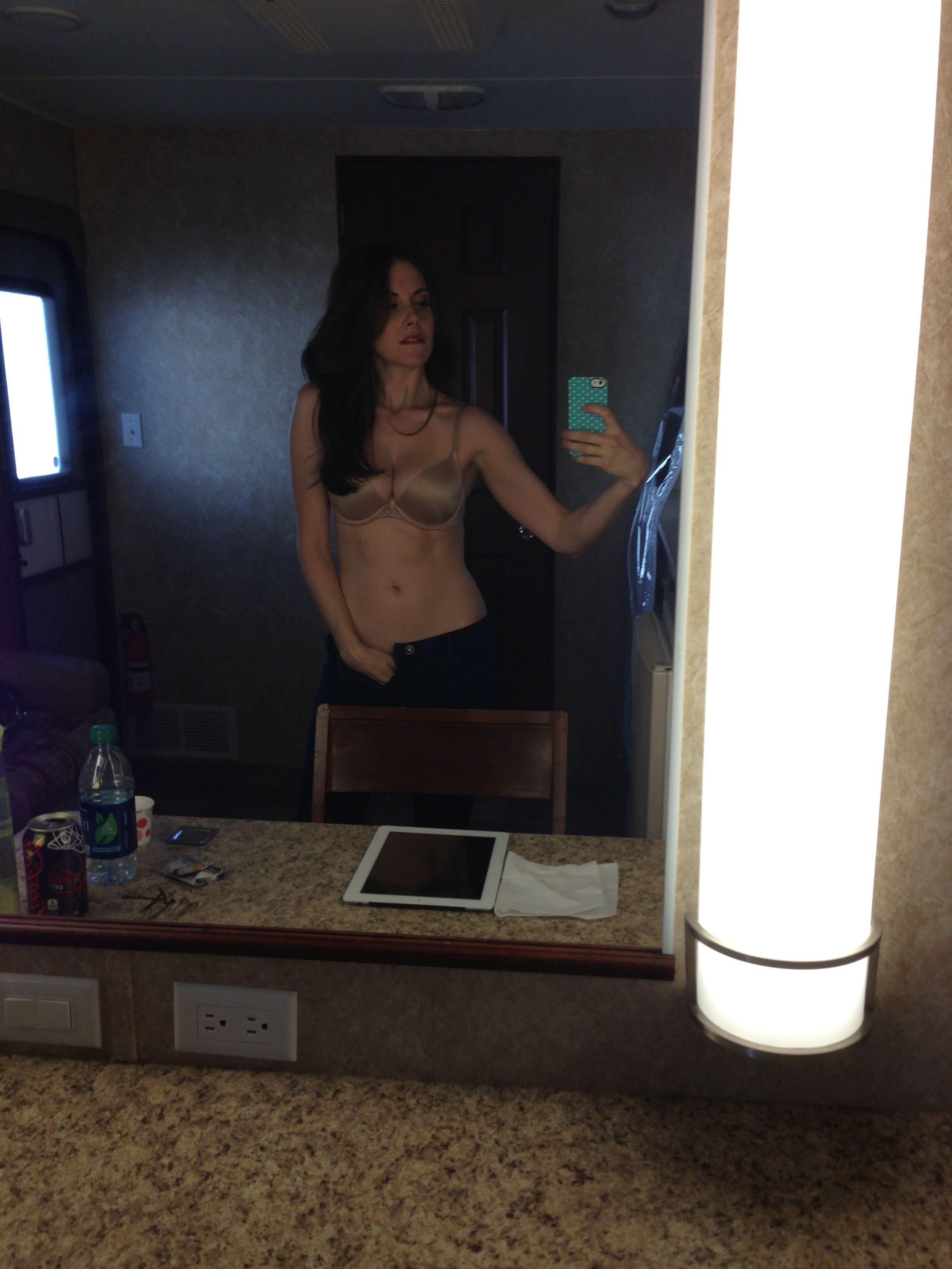 video porno de Alison Brie 3