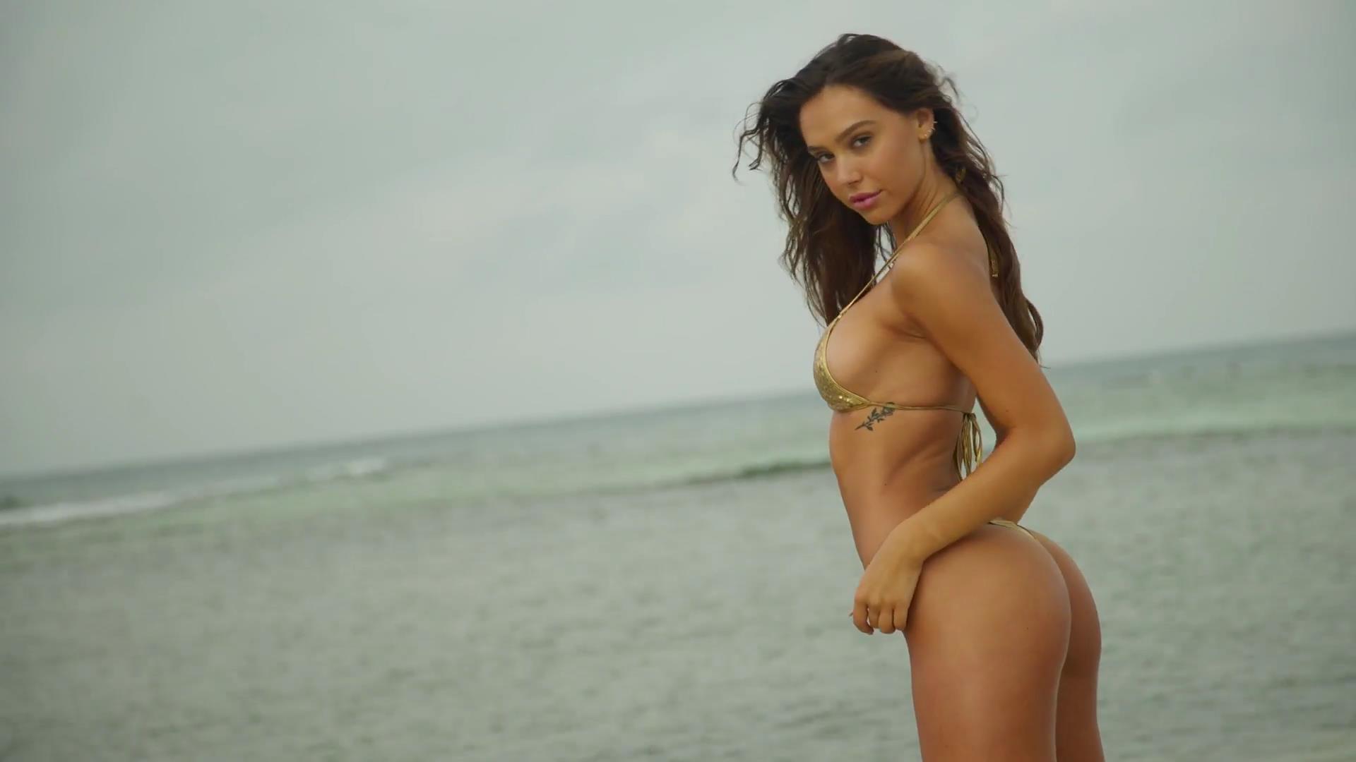 Alexis Ren fotos desnuda hackeadas 2
