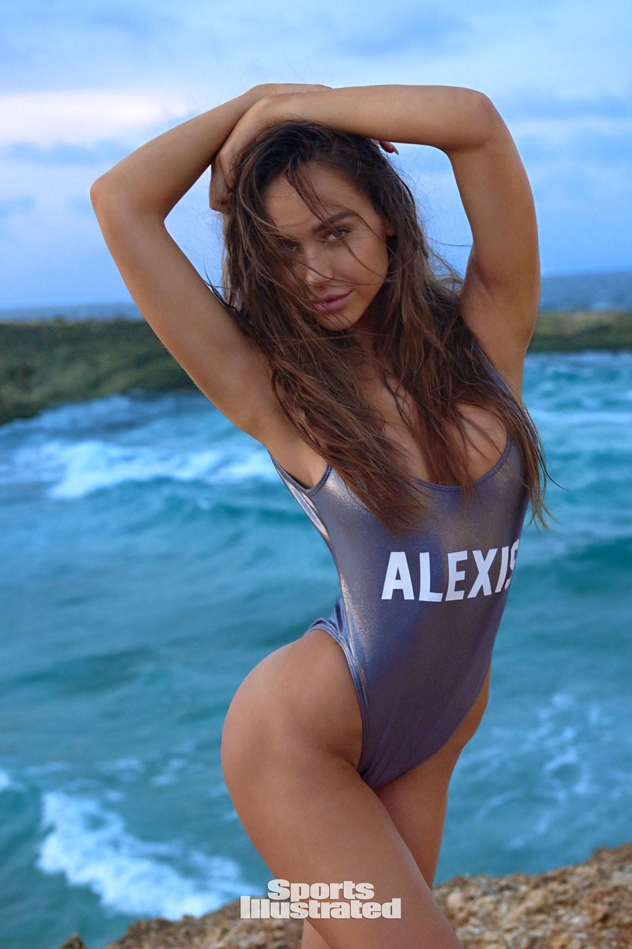 Alexis Ren gatita 2