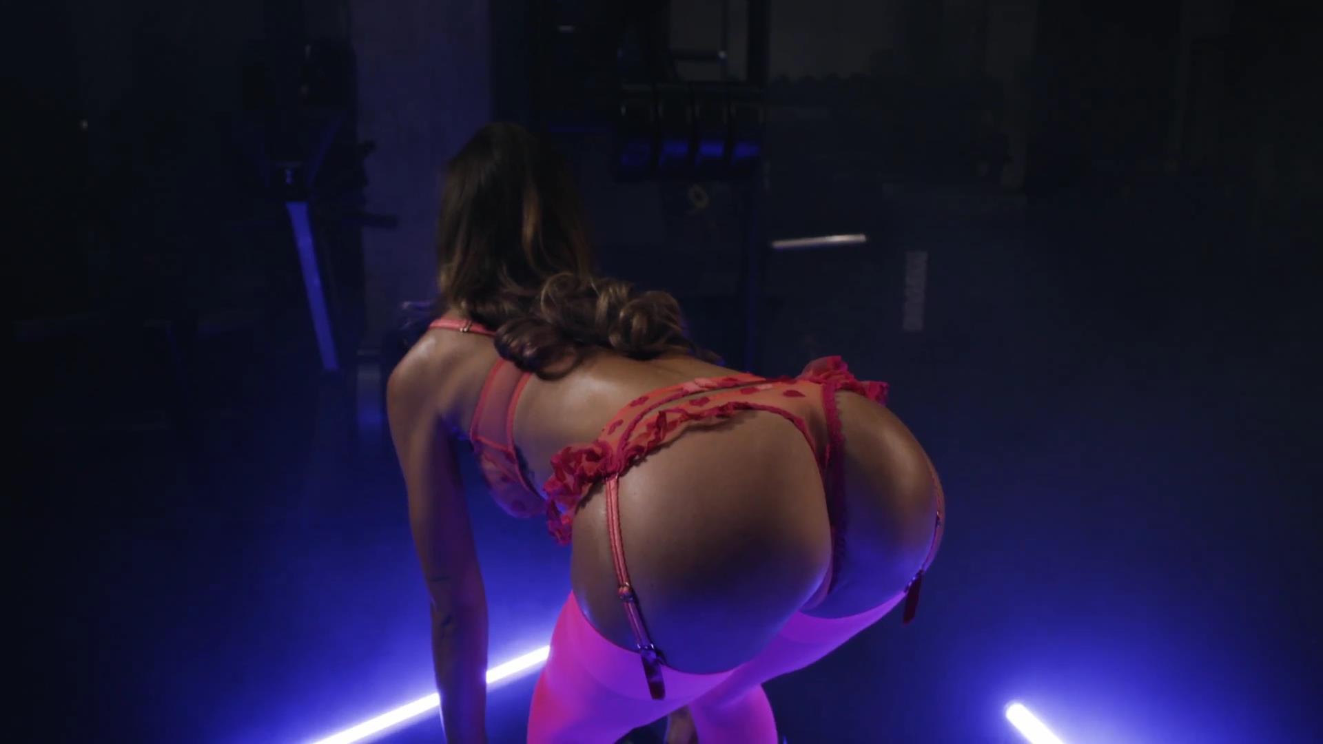 Alexis Ren porn 1