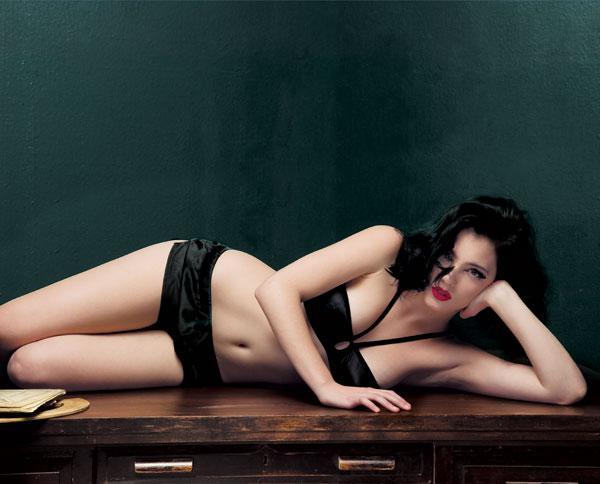 Andrea Duro imagenes desnuda