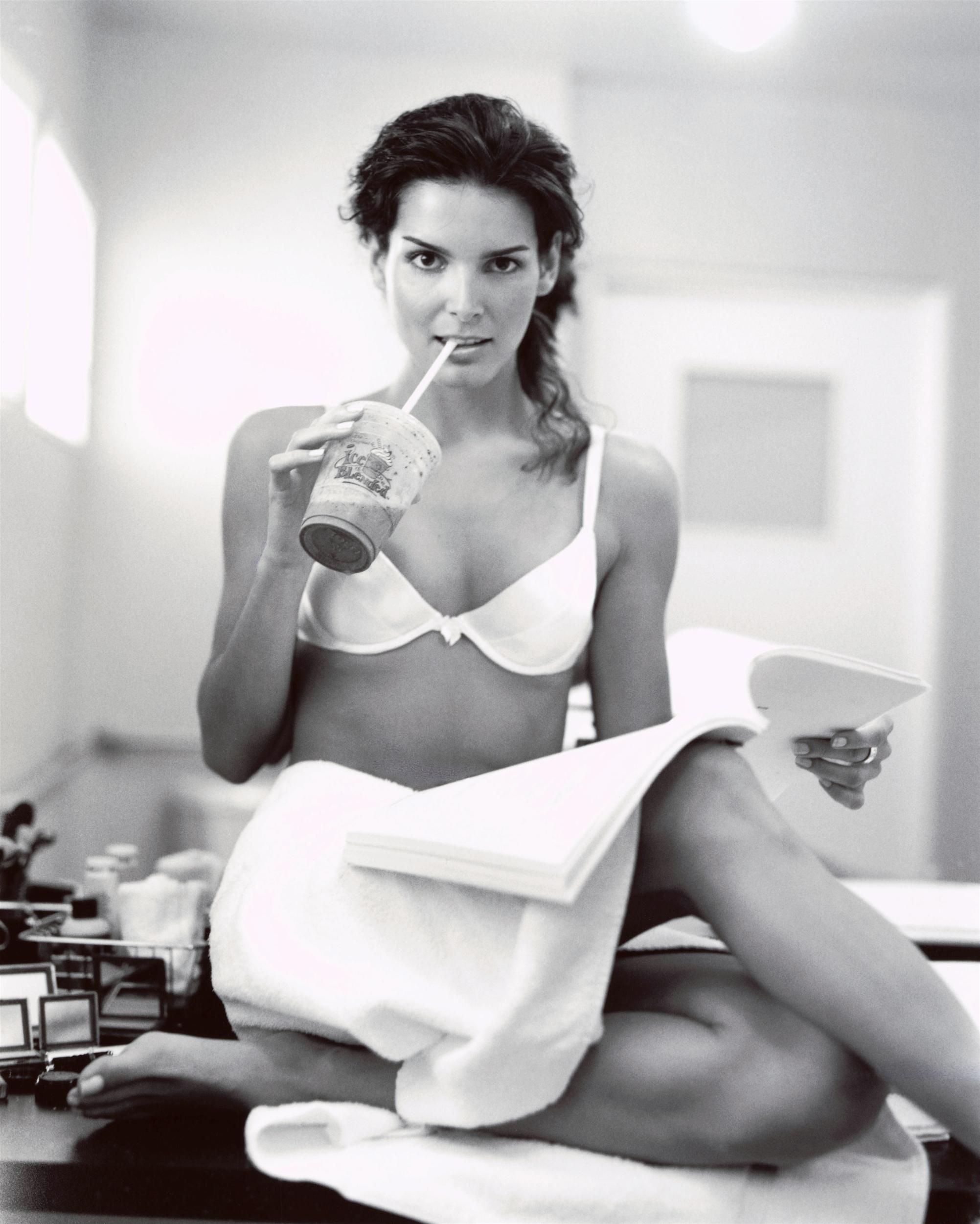 Nuevo Angie Harmon Xxx Desnuda Fotos