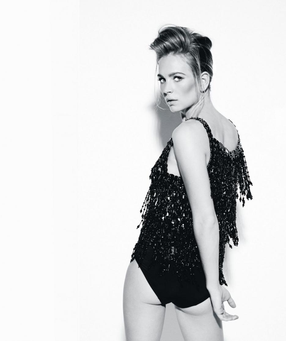 Brittany Robertson pillada desnuda