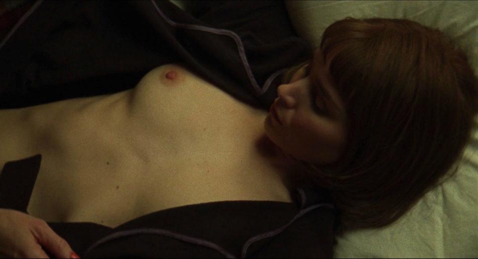 Rooney Mara desnuda
