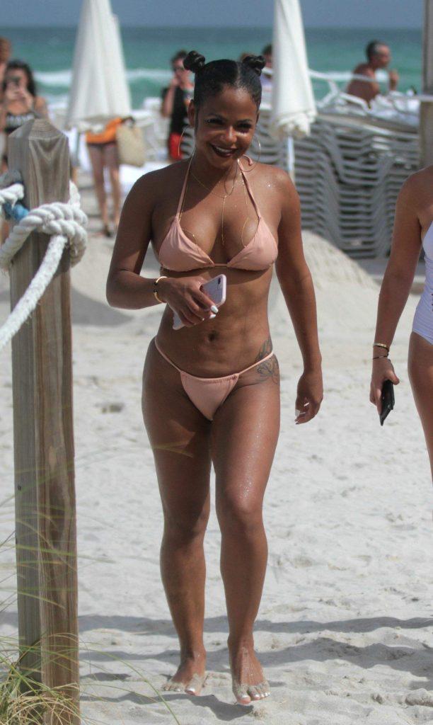 Christina Milian desnuda 1