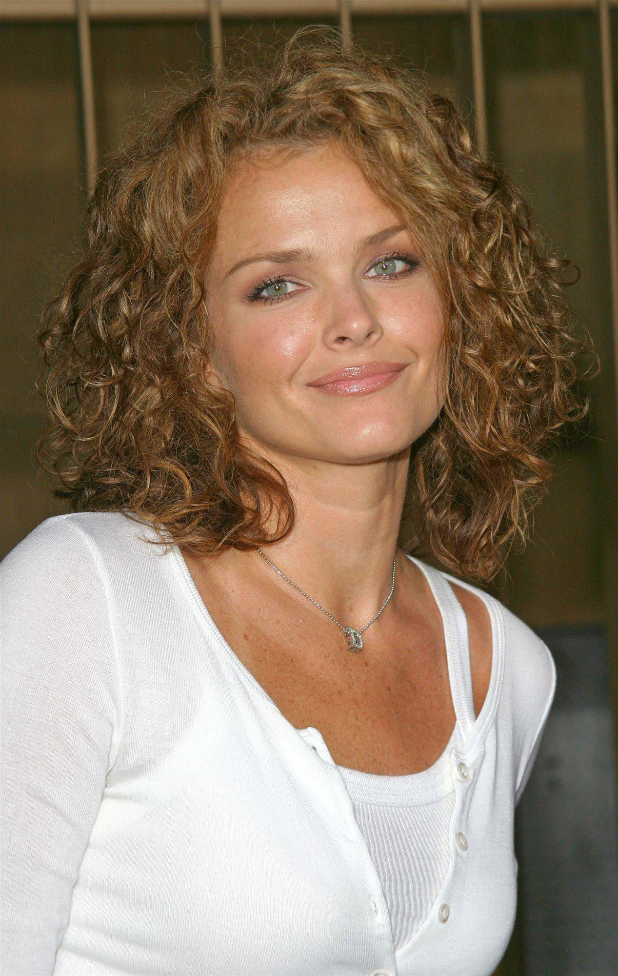 Dina Meyer sin censuras