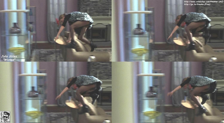 Julia Stiles imagenes desnuda