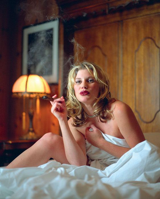 Katee Sackhoff pillada desnuda