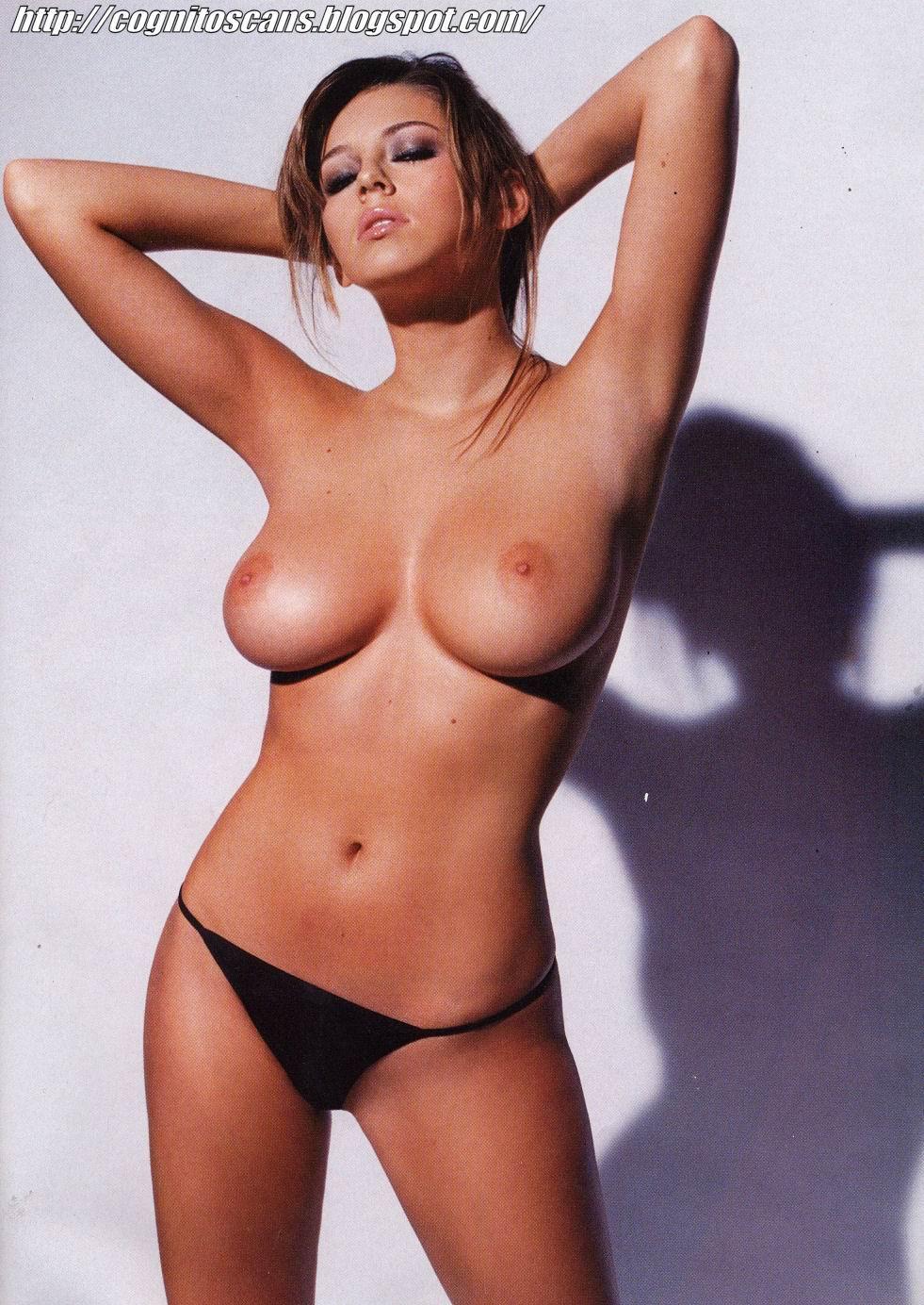 Keeley Hazell desnuda follando 1