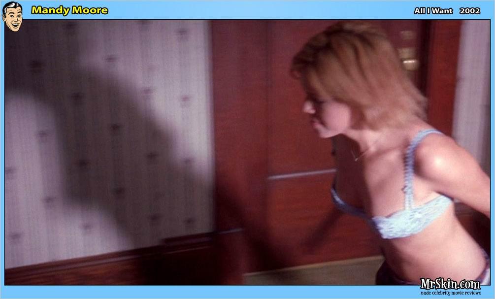 Mandy Moore desnuda