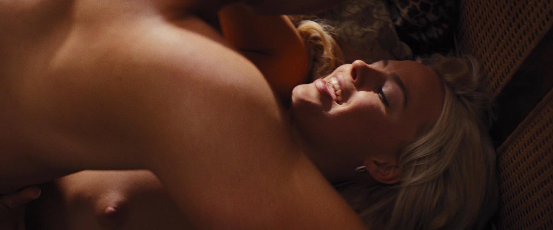 Margot Robbie follando