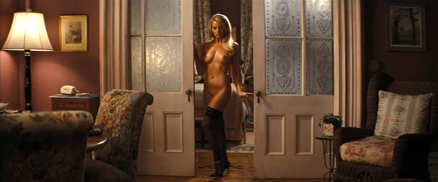 Margot Robbie pillada desnuda