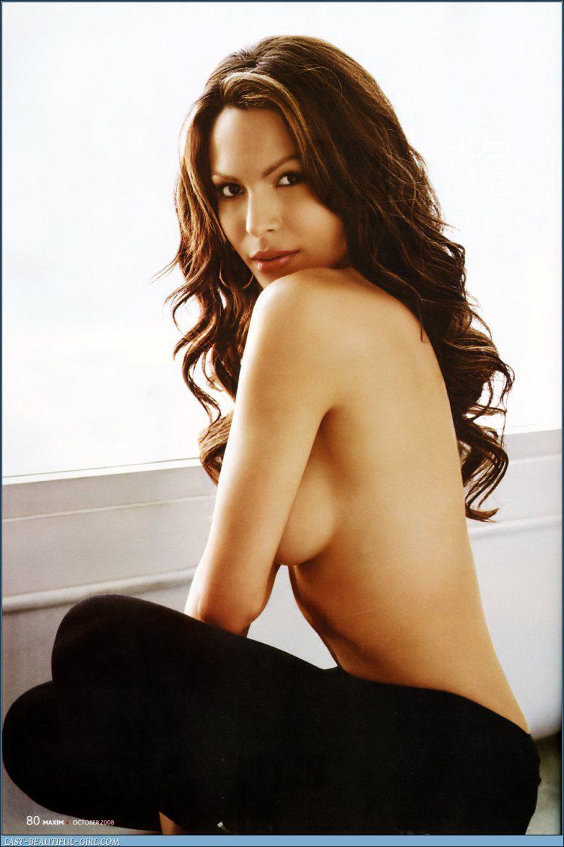 Nadine Velazquez desnuda tetas 1