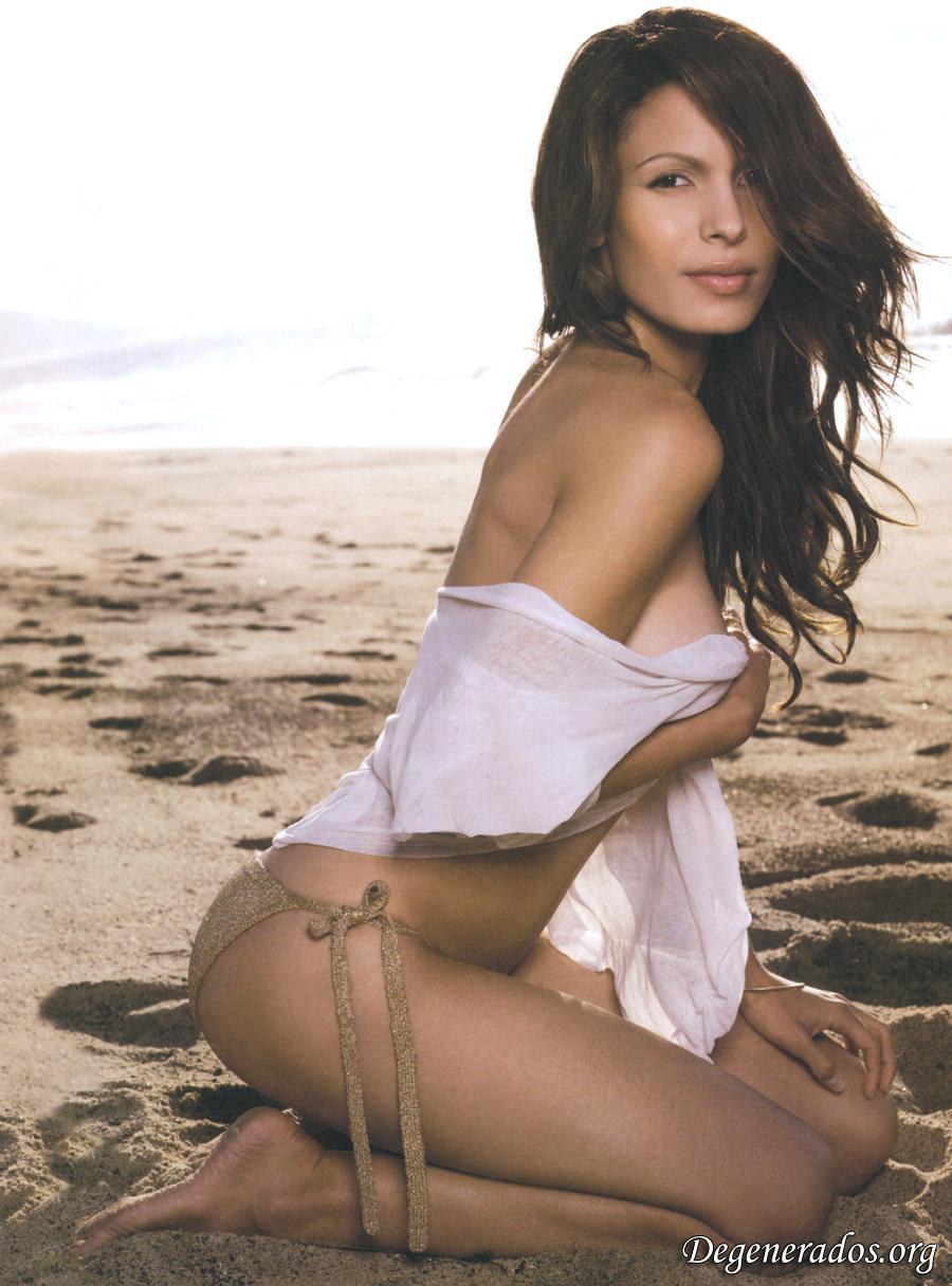 Nadine Velazquez desnuda tetas