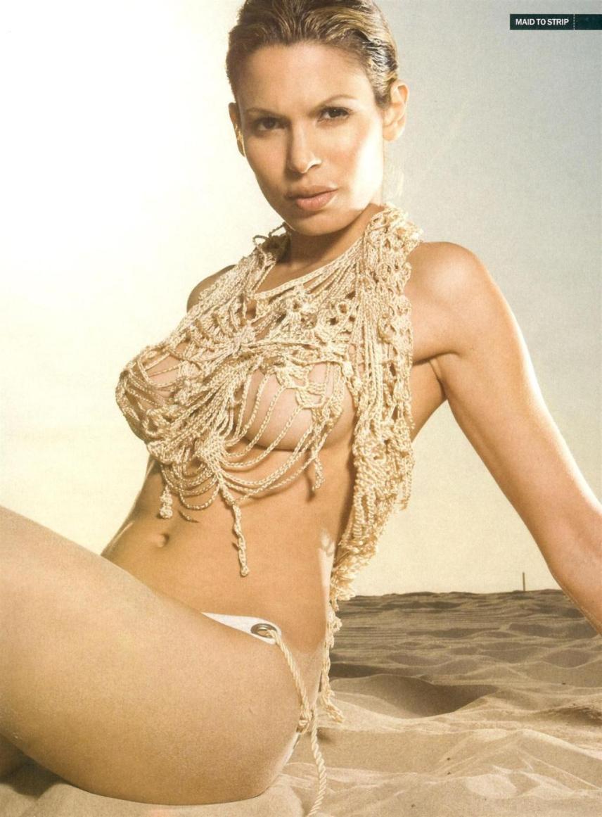 Nadine Velazquez desnuda