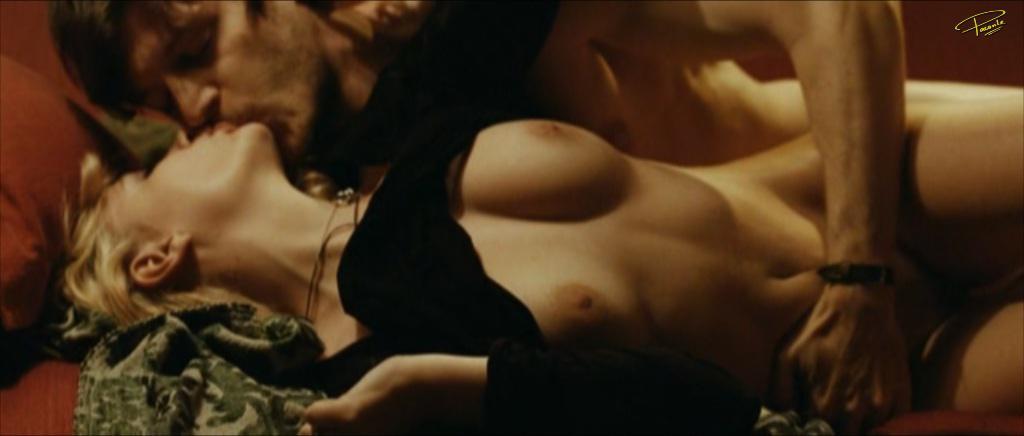 fotos de Miriam Giovanelli desnuda 2