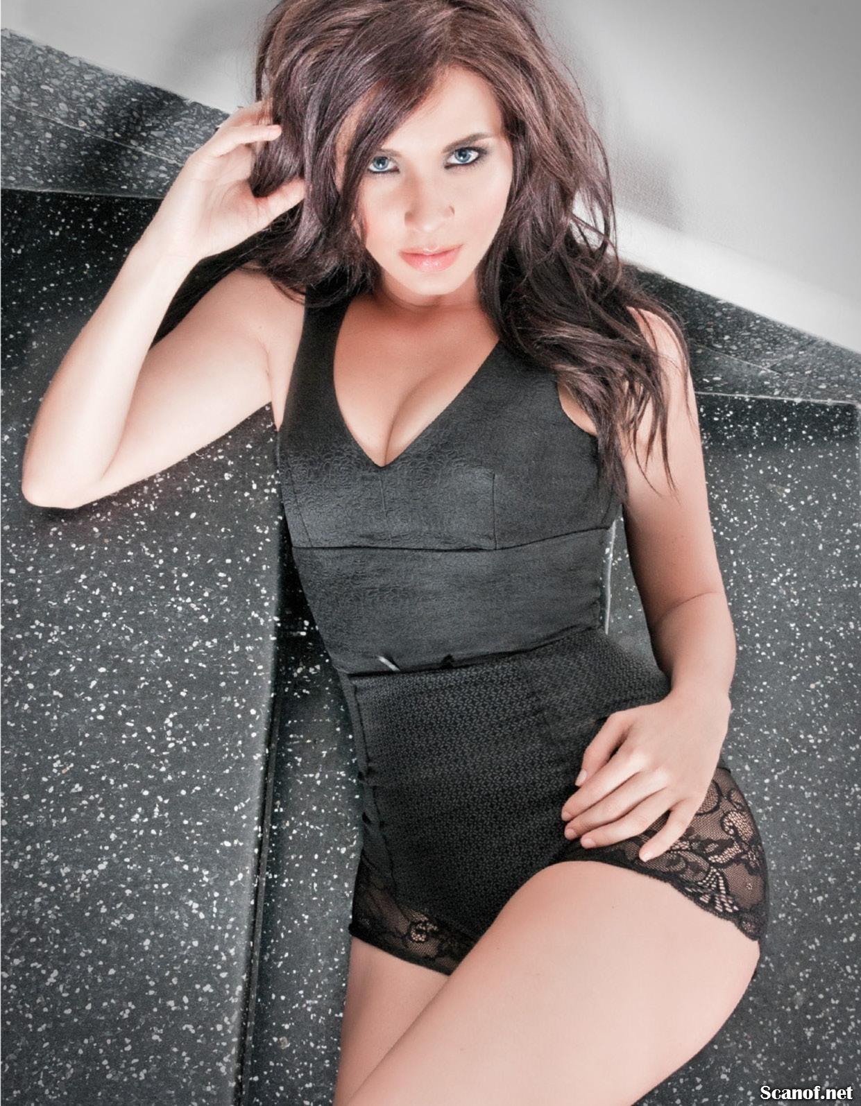 Adriana Louvier panocha