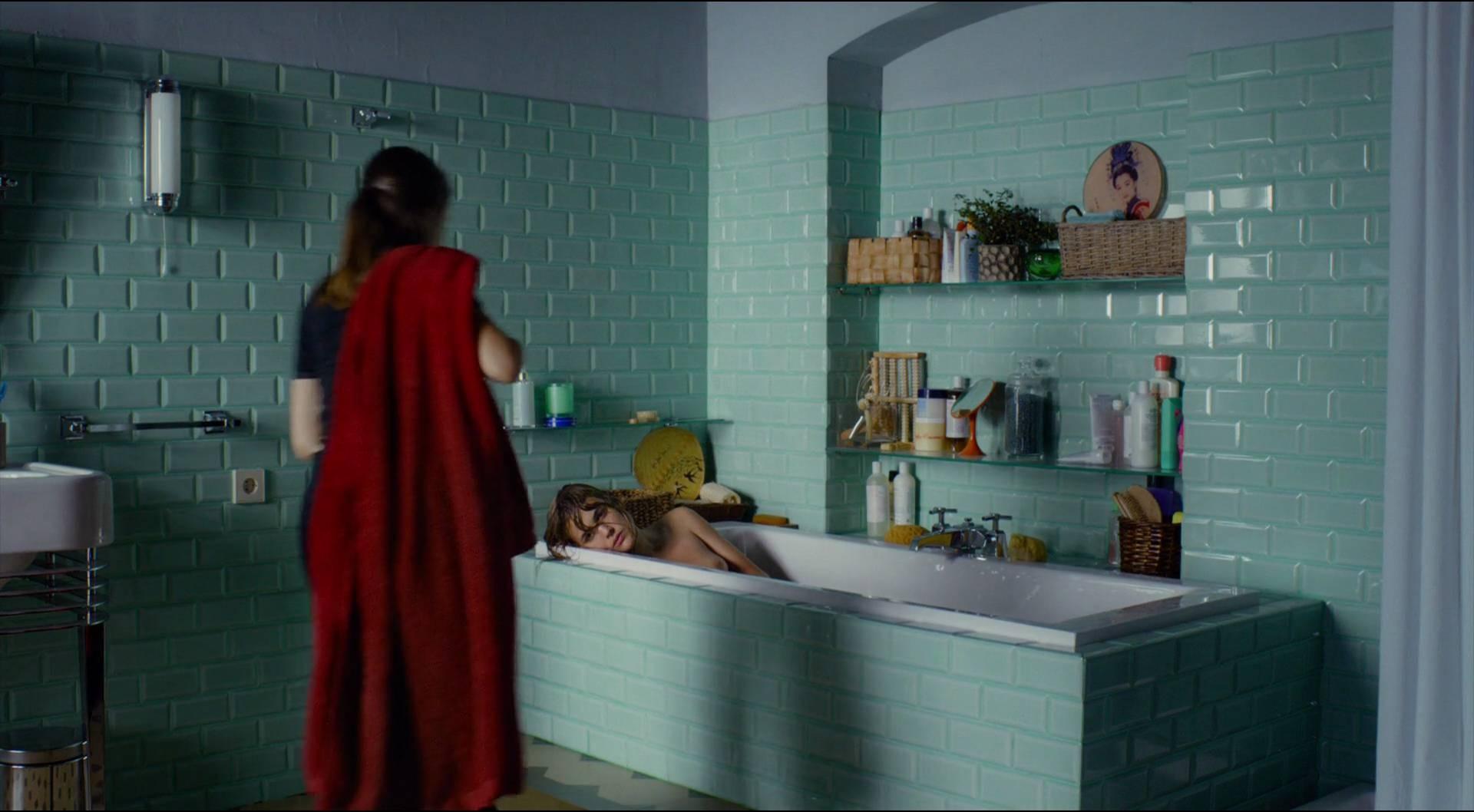 Adriana Ugarte desnuda vídeo