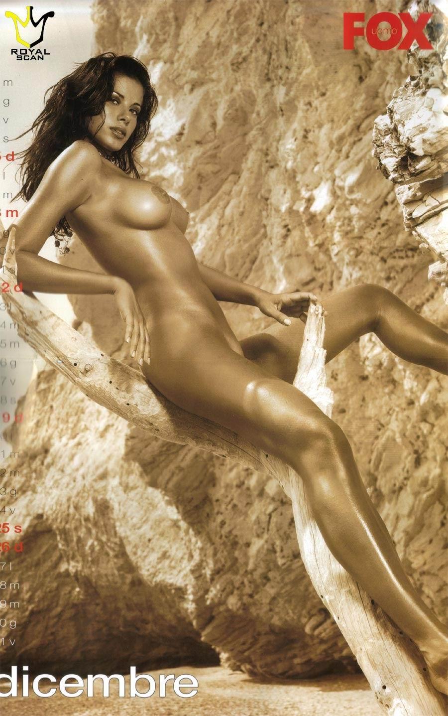 Aida Yespica desnuda follando