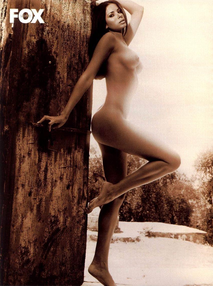 Aida Yespica desnuda gratis