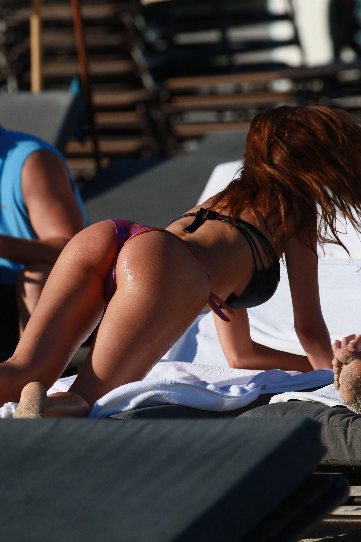 Aida Yespica desnudándose 1