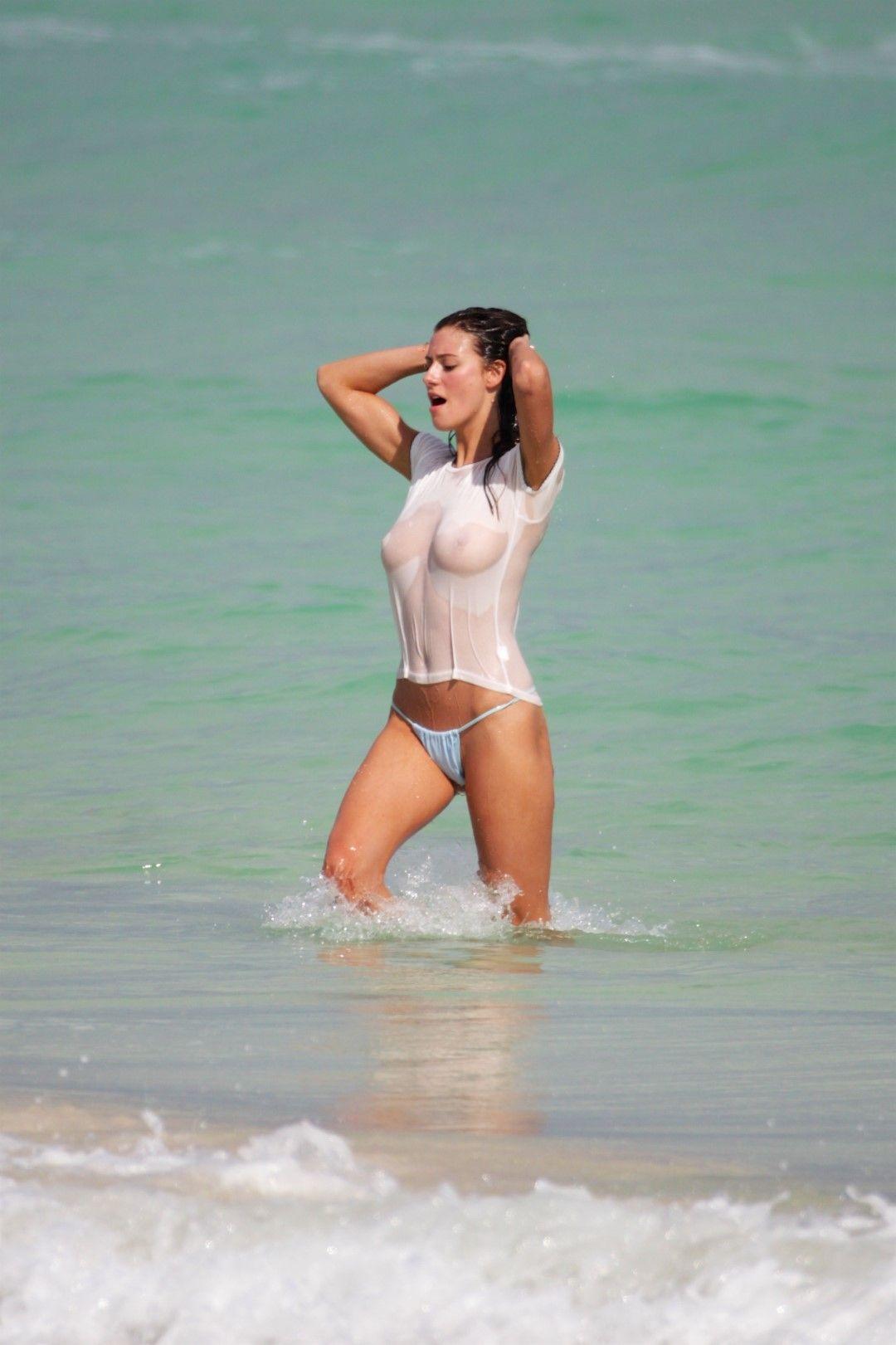 Alejandra Guilmant caliente 2