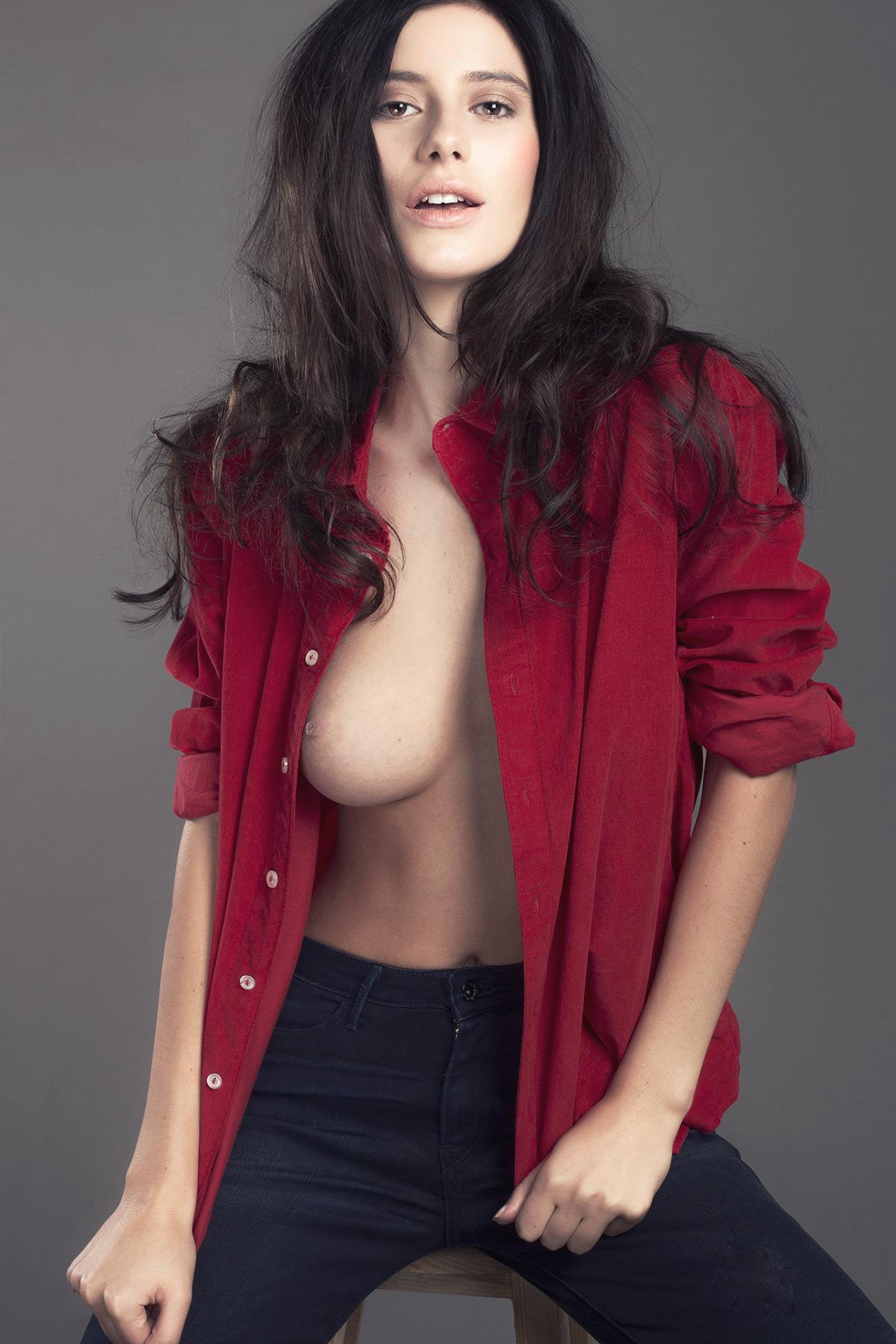 Alejandra Guilmant desnuda
