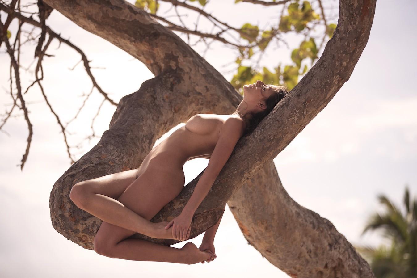 Alejandra Guilmant desnudarse 1