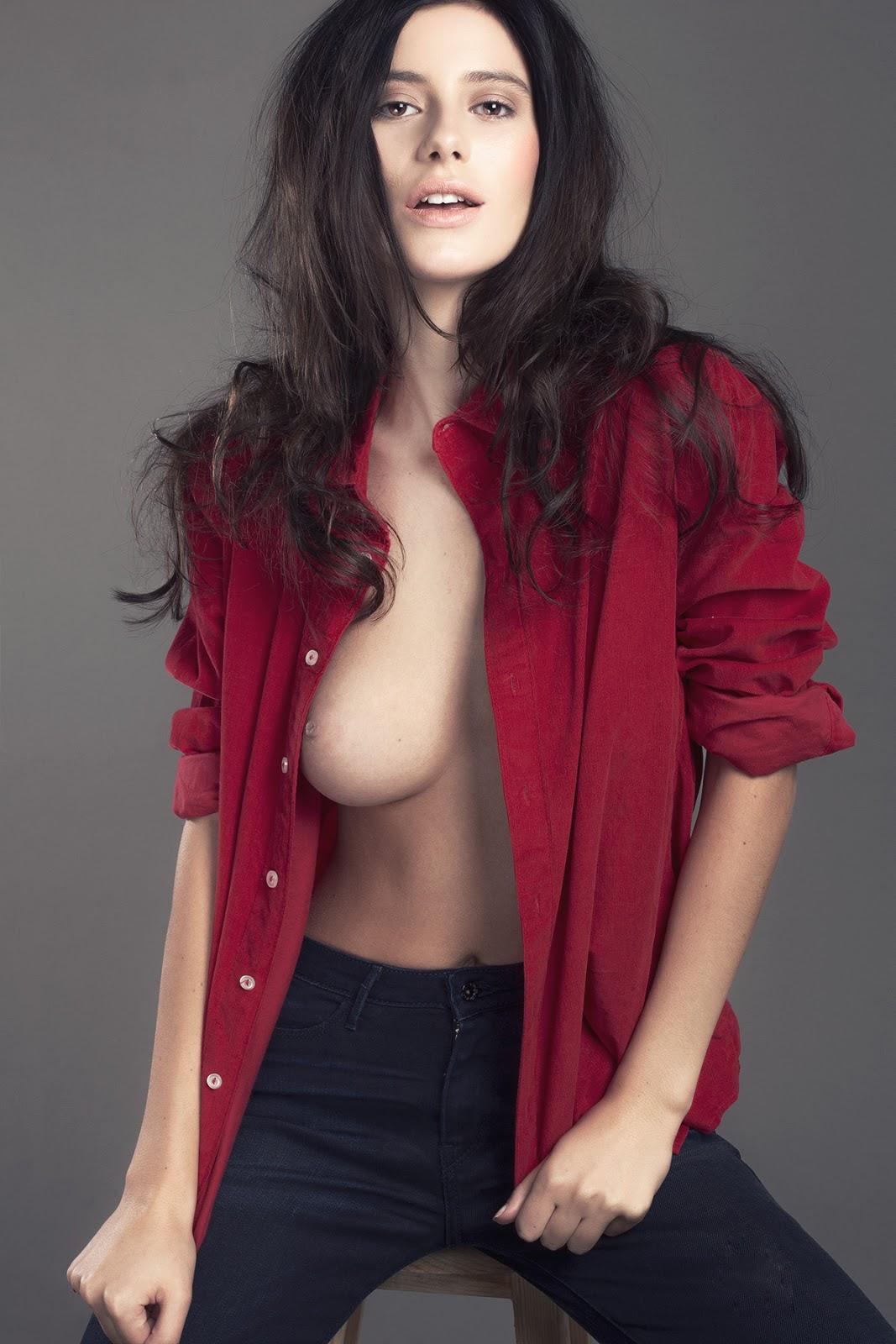 Alejandra Guilmant totalmente desnuda