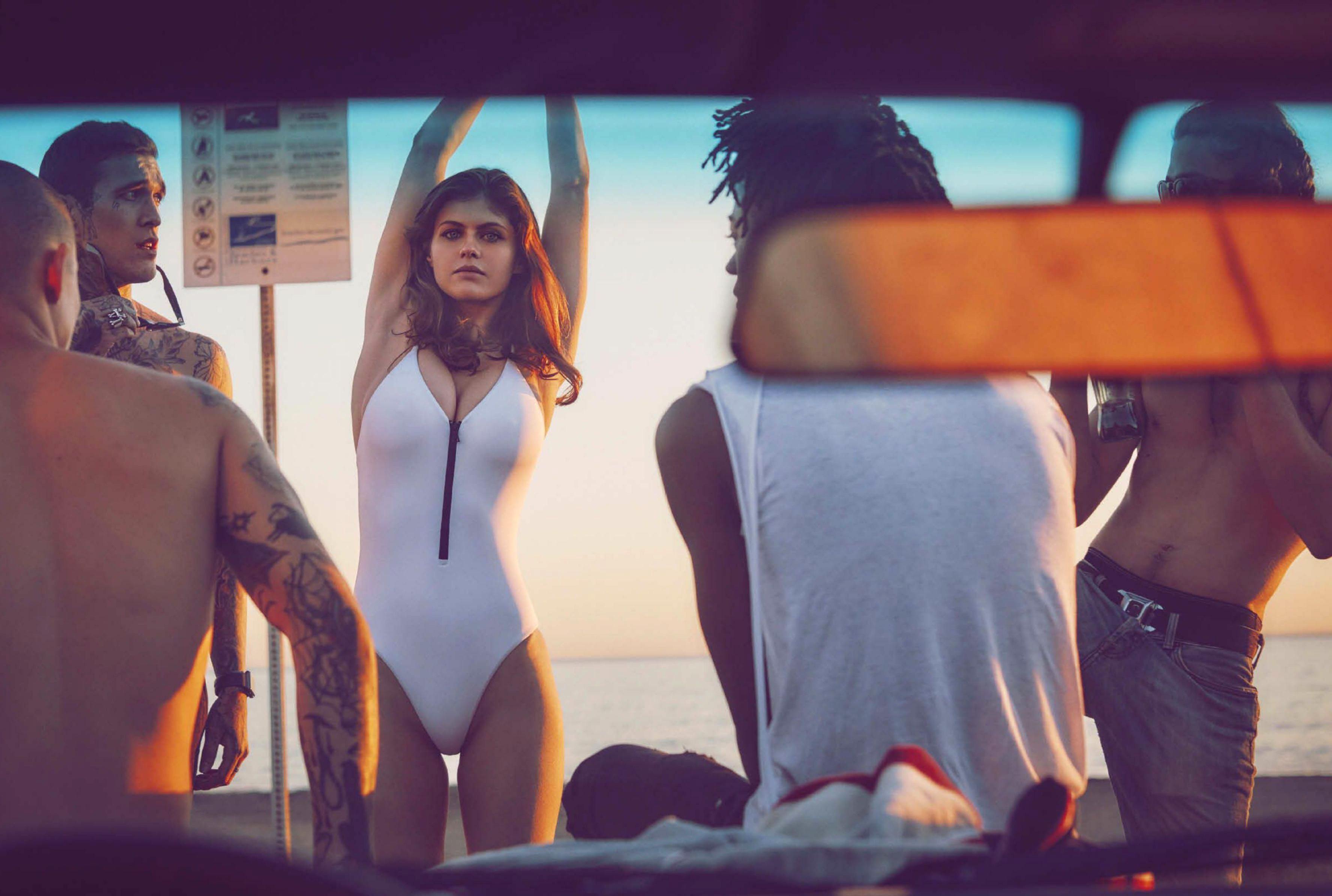 Alexandra Daddario desnuda porno